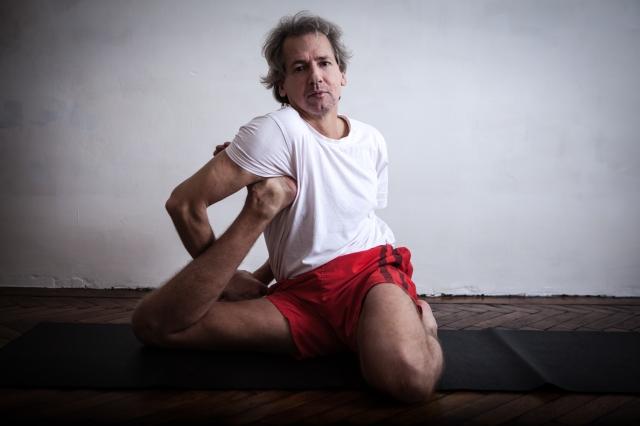 Yogadandasana